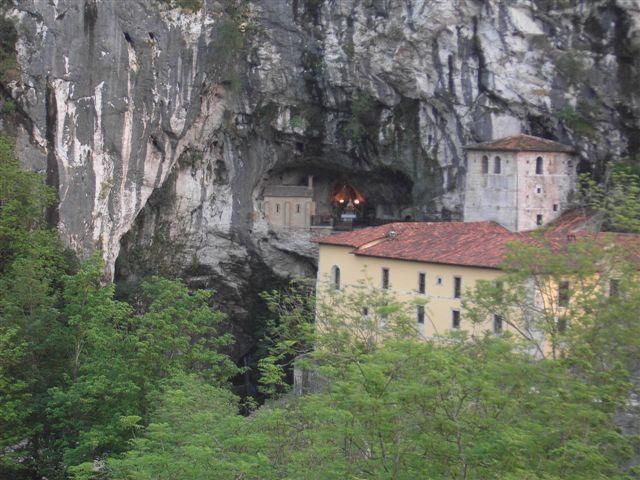 Cueva_de_Santa María - Covadonga.