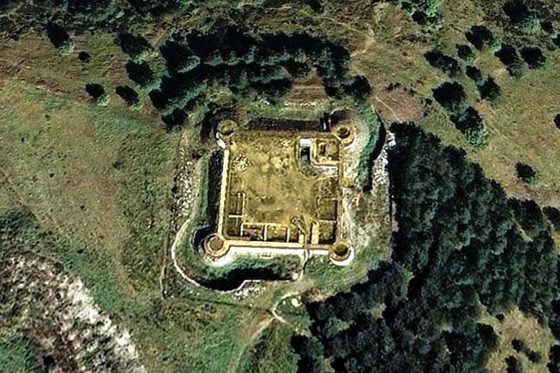 Castillo de LLivia - Lampegia / Lampade de Aquitania
